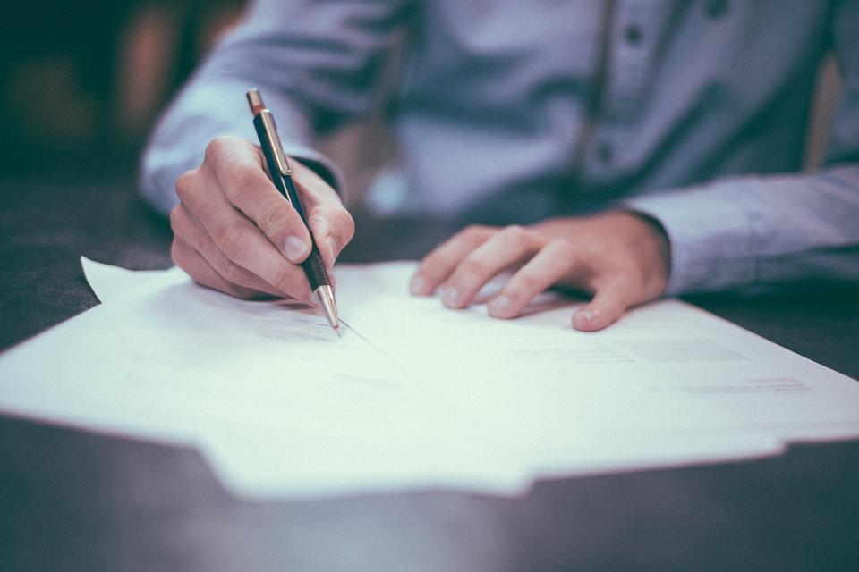 Formuojama teismų praktika paskatins peržiūrėti konfidencialumą ir interesų konfliktus reguliuojančius procesus